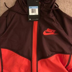 Nike running outfit new with tags size medium